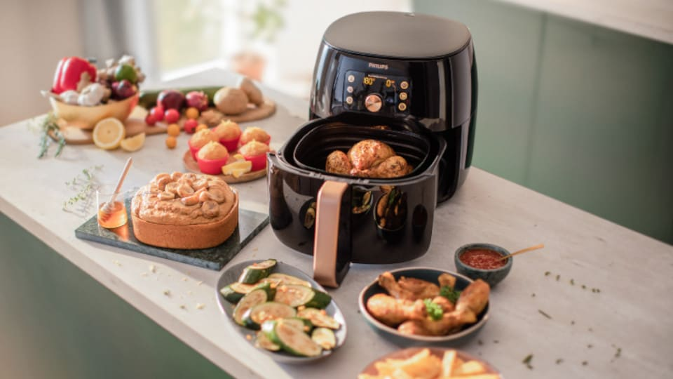 Airfryer on action video image