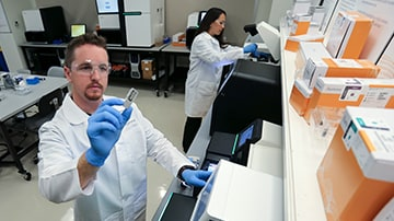 Download image (.jpg) Scientists preparing samples for Illuminas next generation sequencing platforms (opens in a new window)
